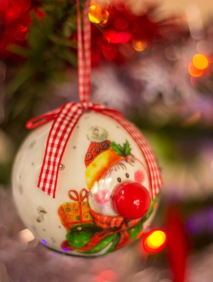 Διακόσμηση Χριστουγέννων, σφαίρα Χριστουγέννων κλόουν στοκ φωτογραφία με δικαίωμα ελεύθερης χρήσης