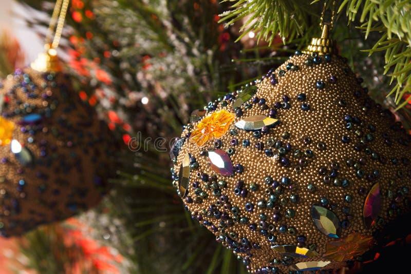 Διακόσμηση χριστουγεννιάτικων δέντρων λεπτομέρειας στοκ εικόνες