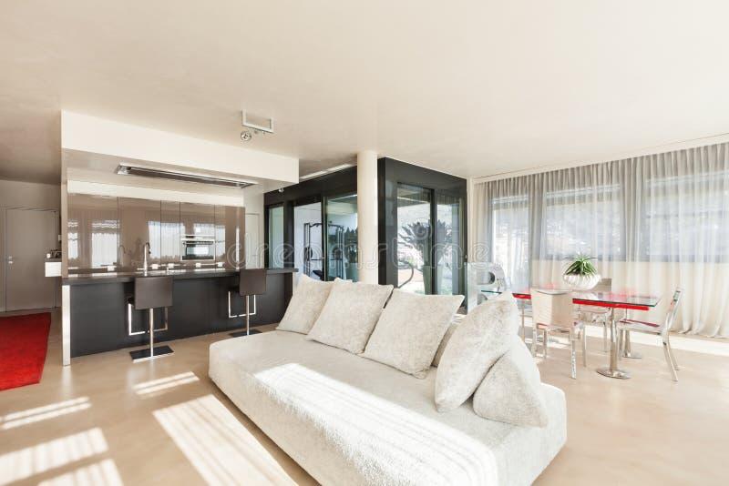 Διαμέρισμα στο νέο κτήριο στοκ φωτογραφία