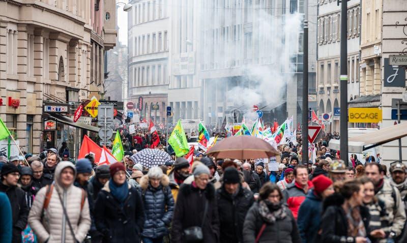 Διαμαρτυρία ενάντια στη γαλλική κυβερνητική σειρά Macron του καπνού μεταρρυθμίσεων στοκ φωτογραφία με δικαίωμα ελεύθερης χρήσης