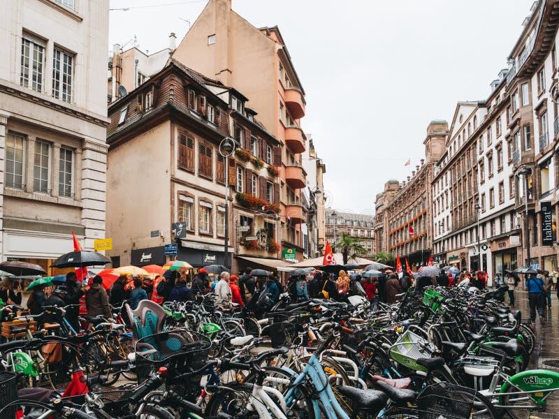 Διαμαρτυρίες στη Γαλλία ενάντια στο χώρο στάθμευσης ποδηλάτων μεταρρυθμίσεων Macron στοκ φωτογραφίες με δικαίωμα ελεύθερης χρήσης