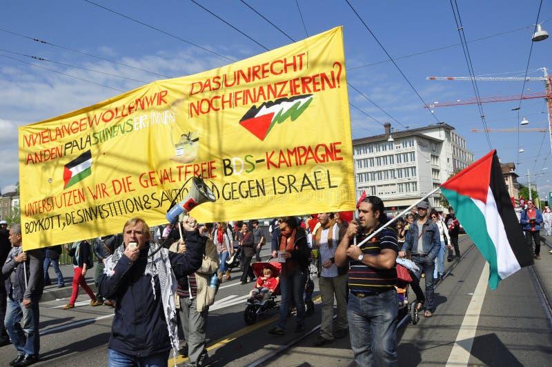 Διαμαρτυρόμενοι Palestina σε μια επίδειξη στους πλουσίους ZÃ ¼ στοκ εικόνα με δικαίωμα ελεύθερης χρήσης