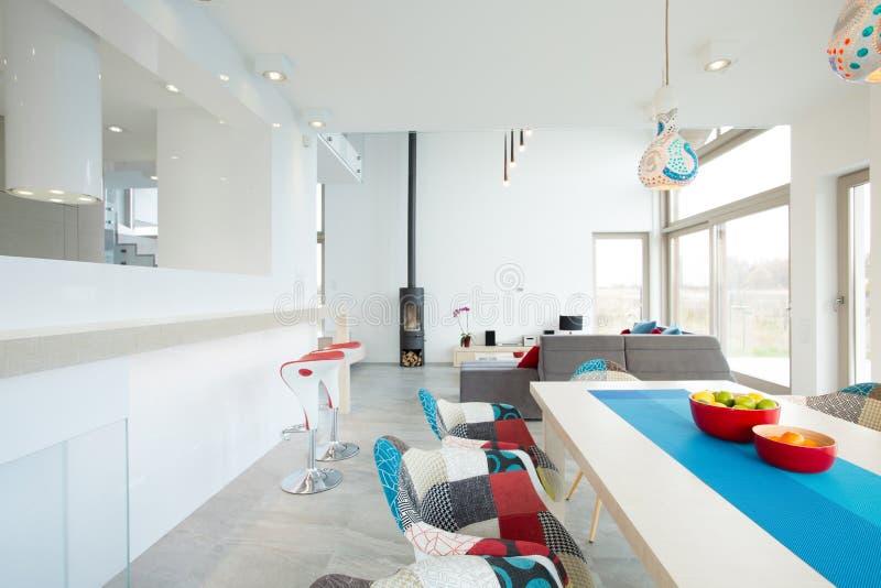 Διαμορφωμένες σχεδιαστής καρέκλες στοκ εικόνες
