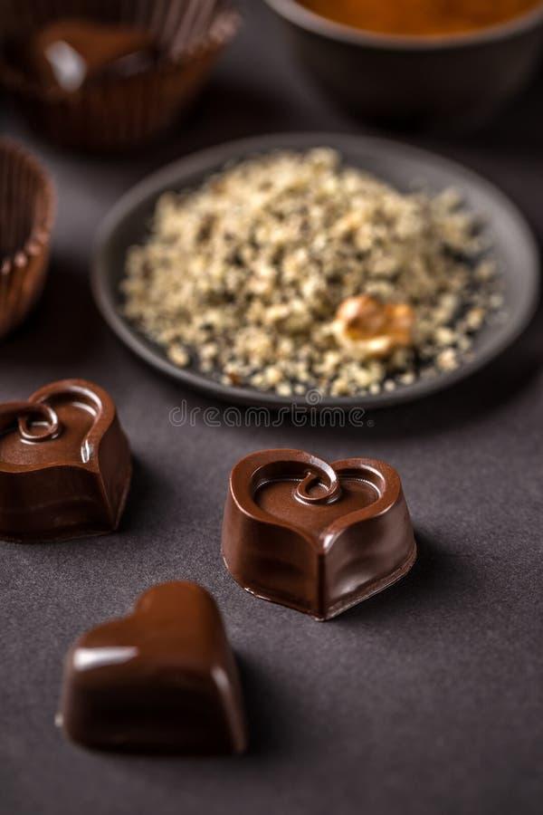 Διαμορφωμένη καρδιά πραλίνα σοκολάτας στοκ φωτογραφίες