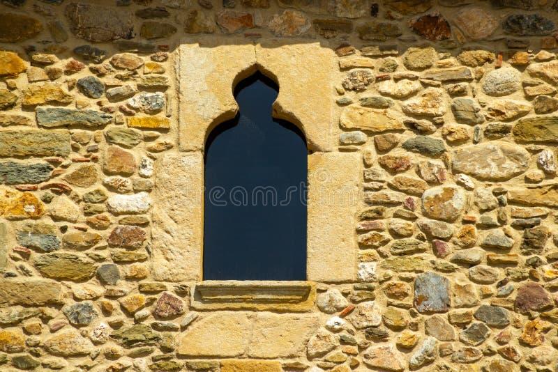 Διαμορφωμένο η Νίκαια παράθυρο σε Monells στοκ φωτογραφία με δικαίωμα ελεύθερης χρήσης