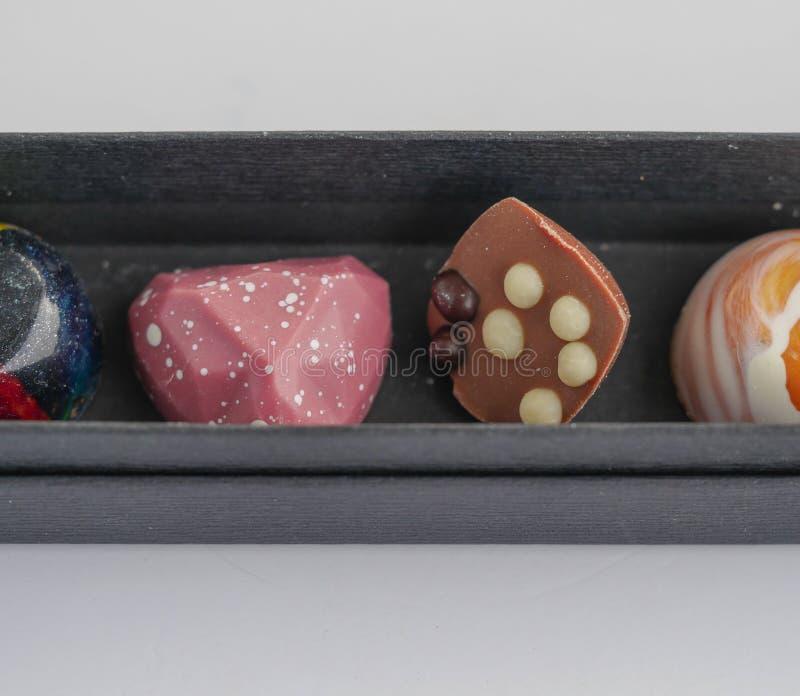 Διαμορφωμένο καρδιά χέρι - γίνοντη σοκολάτα στοκ εικόνες