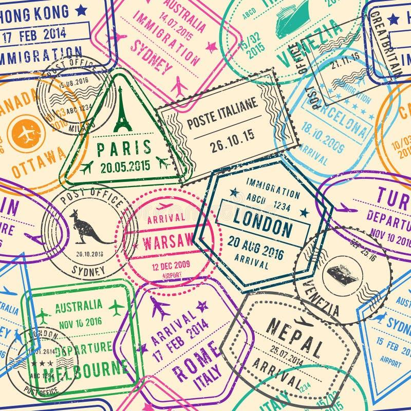 Διανυσματικό άνευ ραφής σχέδιο των απεικονίσεων ταξιδιού με τα γραμματόσημα, τη θεώρηση και τα διαφορετικά έγγραφα για το ταξίδι στοκ φωτογραφία
