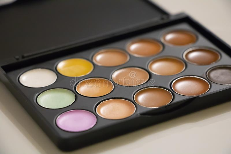 Διαποτισμένα σκιά χρώματα ματιών στοκ φωτογραφίες με δικαίωμα ελεύθερης χρήσης