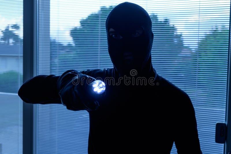 Διαρρήκτης που φορά balaclava στοκ φωτογραφίες με δικαίωμα ελεύθερης χρήσης