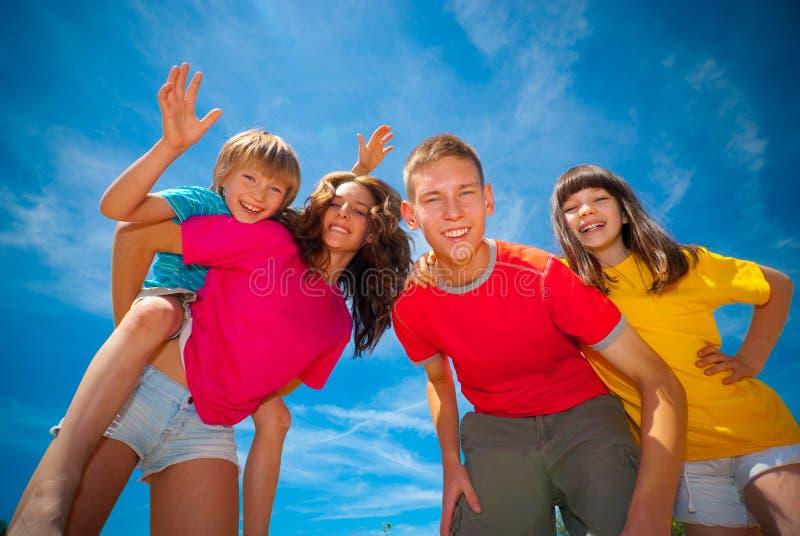 διασκέδαση παιδιών που έχει στοκ εικόνα