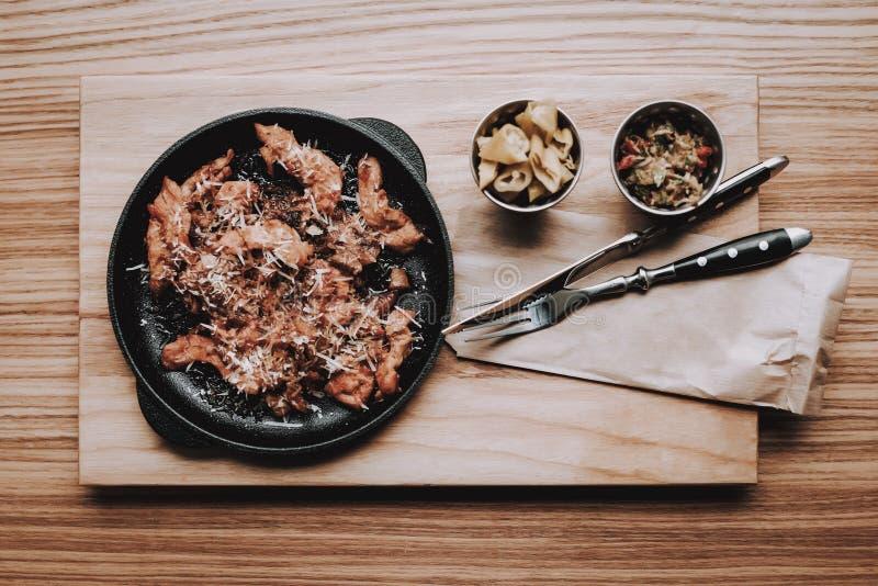 Διασκέδαση Τρόφιμα στο πιάτο barnabas E στοκ φωτογραφίες
