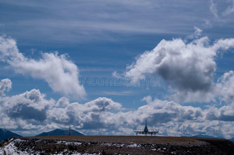 διαστημικός πύργος σύννεφ& στοκ εικόνες