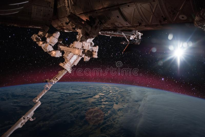 Διαστημόπλοιο στην τροχιά στοκ φωτογραφία με δικαίωμα ελεύθερης χρήσης