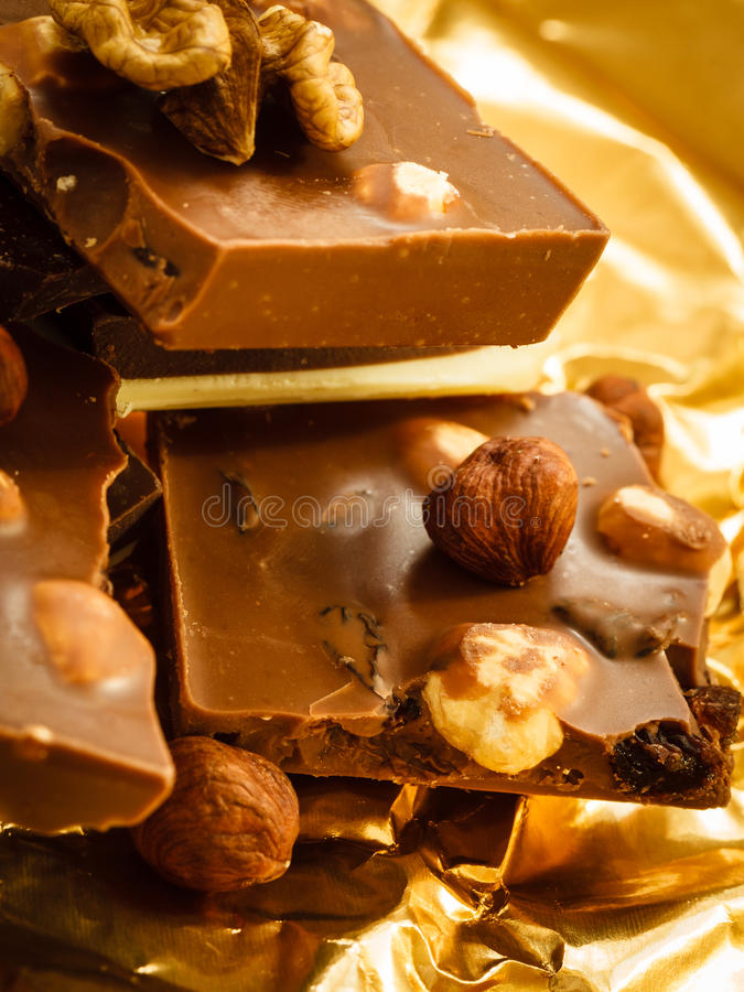 Διαφορετικά σοκολάτα και φουντούκια ειδών στοκ φωτογραφία