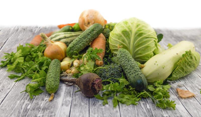 Διαφορετικά φρέσκα πράσινα λαχανικά στοκ φωτογραφία με δικαίωμα ελεύθερης χρήσης