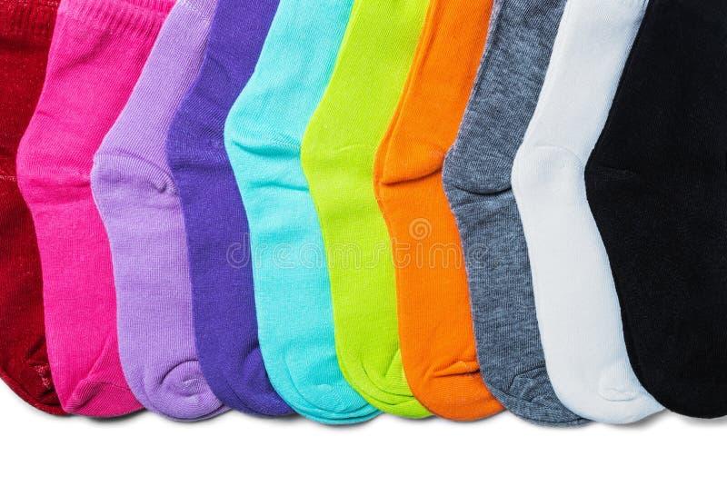 Διαφορετικές κάλτσες χρώματος που απομονώνονται στο λευκό στοκ φωτογραφία
