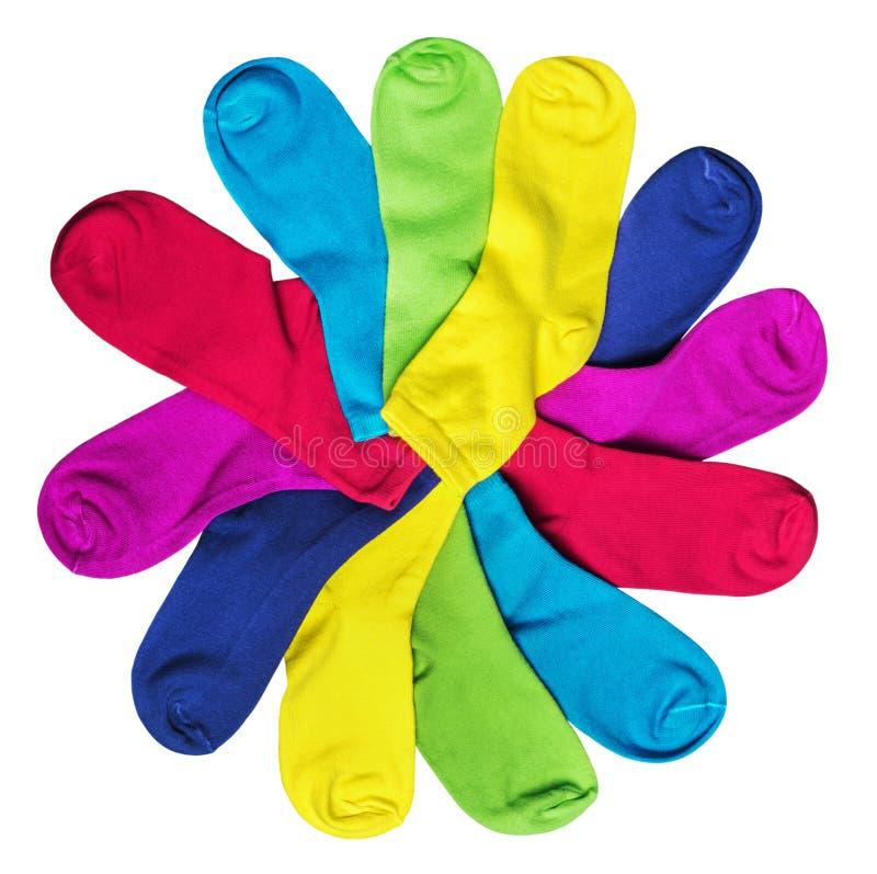 Διαφορετικές κάλτσες χρώματος που απομονώνονται στο λευκό στοκ φωτογραφία με δικαίωμα ελεύθερης χρήσης