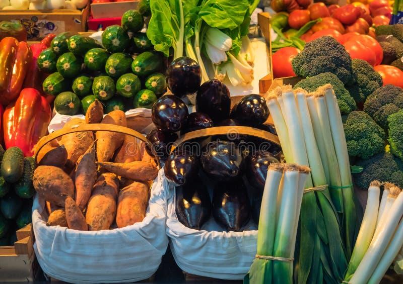Διαφορετικές χρωματισμένες φλέβες σε μια παραδοσιακή αγορά στο Μπιλμπάο, Ισπανία στοκ εικόνες