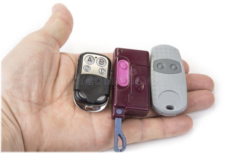 Διαφορετικοί ασύρματοι τηλεχειρισμοί γκαράζ για το άνοιγμα και το κλείσιμο στοκ φωτογραφία