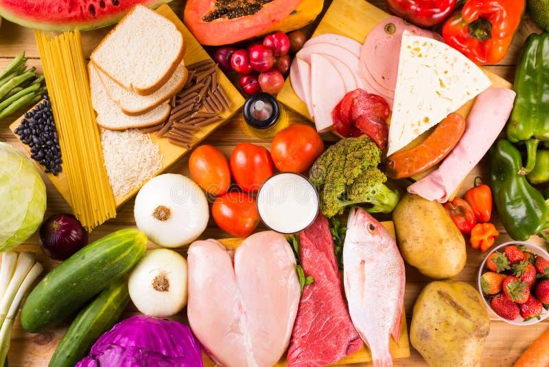 Διαφορετικοί τύποι τροφίμων στοκ εικόνες