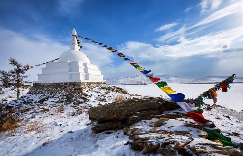 Διαφωτισμός Stupa - μια θέση της περισυλλογής σε ένα ακατοίκητο νησί στη λίμνη Baikal στοκ εικόνα με δικαίωμα ελεύθερης χρήσης
