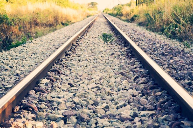Διαδρομές σιδηροδρόμων ή σιδηροδρόμου για τη μεταφορά τραίνων (εκλεκτής ποιότητας ύφος) στοκ εικόνες