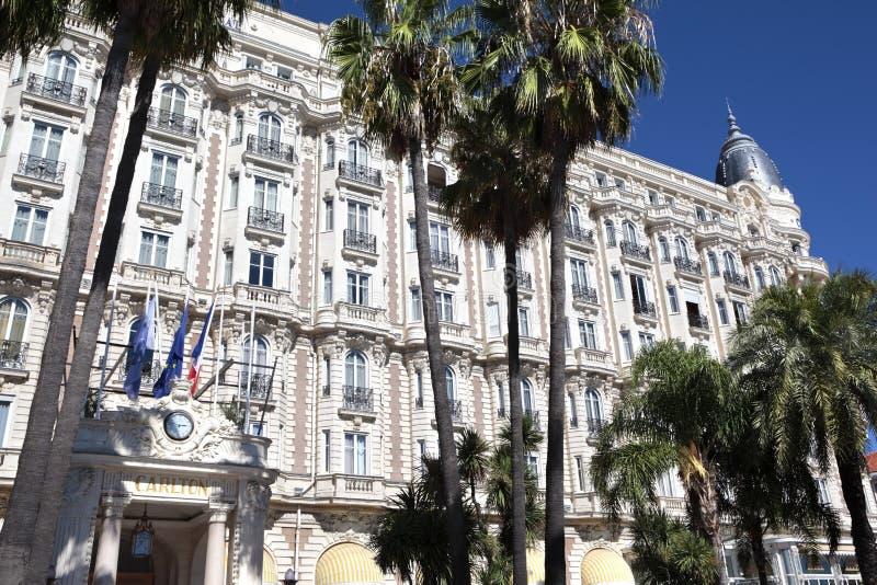 Διεθνές ξενοδοχείο Γαλλία, μπροστινή είσοδος των Καννών Carlton στοκ φωτογραφία