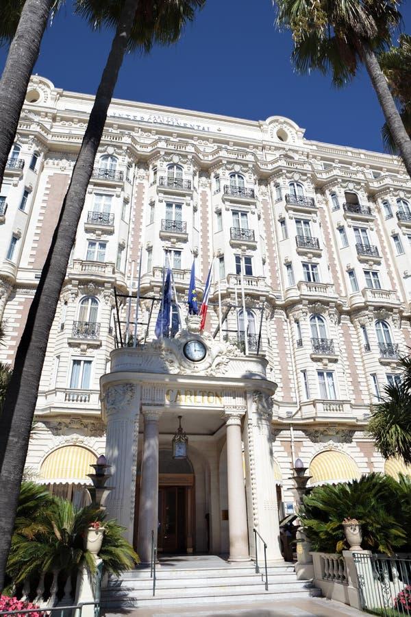 Διεθνές ξενοδοχείο Κάννες Γαλλία, μπροστινή είσοδος του Carlton στοκ εικόνες με δικαίωμα ελεύθερης χρήσης