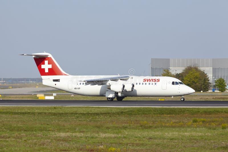 Διεθνής αερολιμένας της Φρανκφούρτης - Avro RJ100 Ελβετού απογειώνεται στοκ εικόνες με δικαίωμα ελεύθερης χρήσης