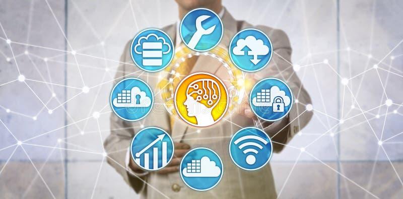 Διευθυντής στοιχείων που υποστηρίζει την καινοτομία AI μέσω του σύννεφου στοκ εικόνα με δικαίωμα ελεύθερης χρήσης