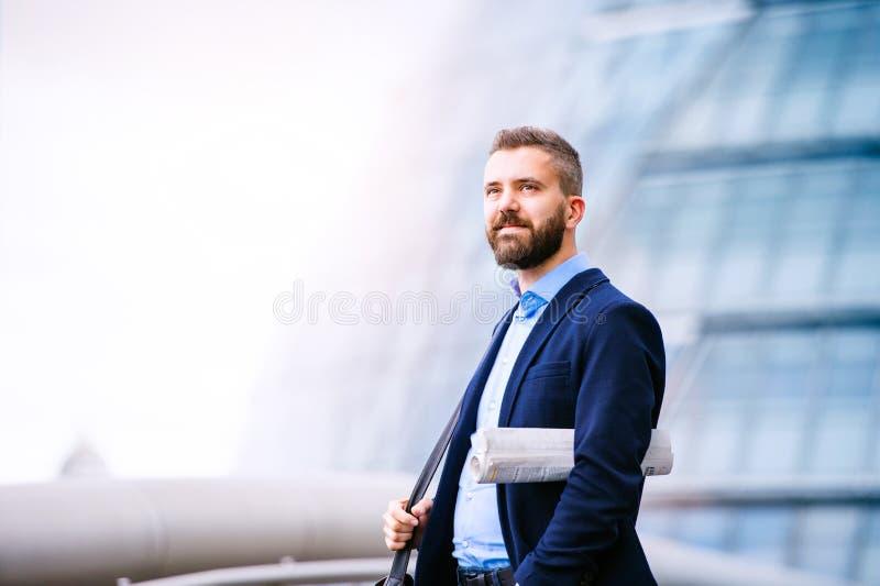 Διευθυντής Hipster στο μπλε πουκάμισο, Λονδίνο Δημαρχείο στοκ φωτογραφίες με δικαίωμα ελεύθερης χρήσης