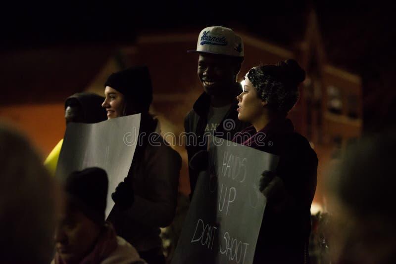 Δικαιοσύνη για το Michael Brown - τα χέρια επάνω, δεν πυροβολούν στοκ φωτογραφία