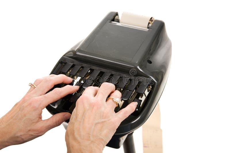 δικαστήριο που υποβάλλει έκθεση stenograph στοκ εικόνα με δικαίωμα ελεύθερης χρήσης