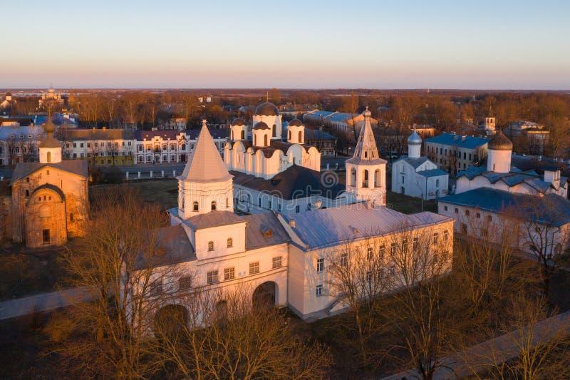 Δικαστήριο Yaroslav σε Veliky Novgorod Nikolo-Dvorishchensky καθεδρικός ναός, ένας σημαντικός ιστορικός τουριστικός χώρος της Ρωσ στοκ εικόνες με δικαίωμα ελεύθερης χρήσης
