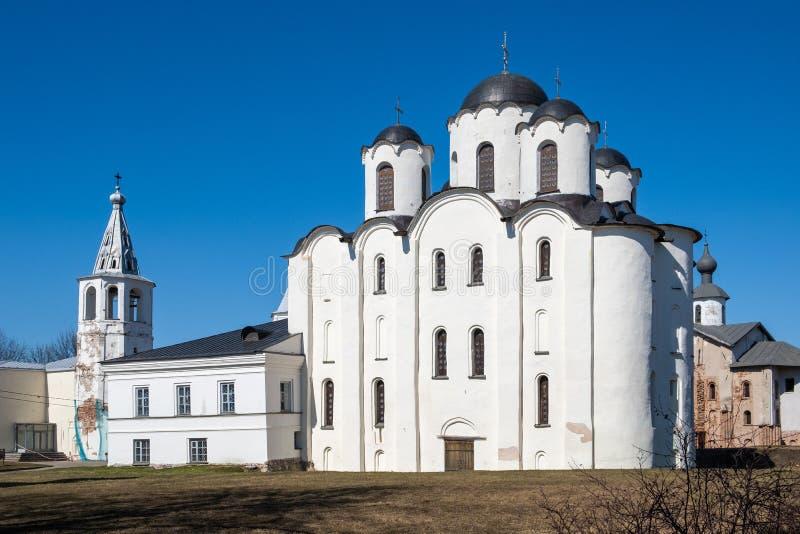 Δικαστήριο Yaroslav σε Veliky Novgorod Nikolo-Dvorishchensky καθεδρικός ναός, ένας σημαντικός ιστορικός τουριστικός χώρος της Ρωσ στοκ φωτογραφία