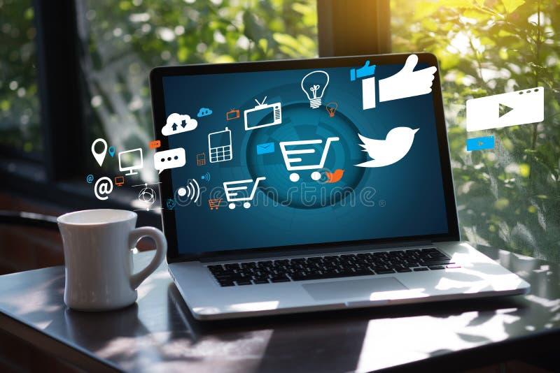 Δικτύωσης συνομιλίας κοινωνικό δίκτυο μέσων επικοινωνίας σε απευθείας σύνδεση κοινωνικό στοκ φωτογραφίες με δικαίωμα ελεύθερης χρήσης