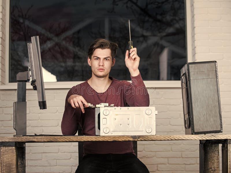 Διοικητής συστημάτων συσκευή ή εκτυπωτής υπολογιστών αποτυπώσεων ατόμων στοκ φωτογραφία