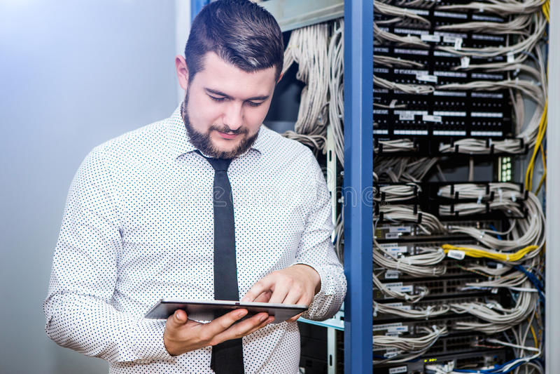 Διοικητής ΤΠ στον κεντρικό υπολογιστή στοκ φωτογραφία με δικαίωμα ελεύθερης χρήσης