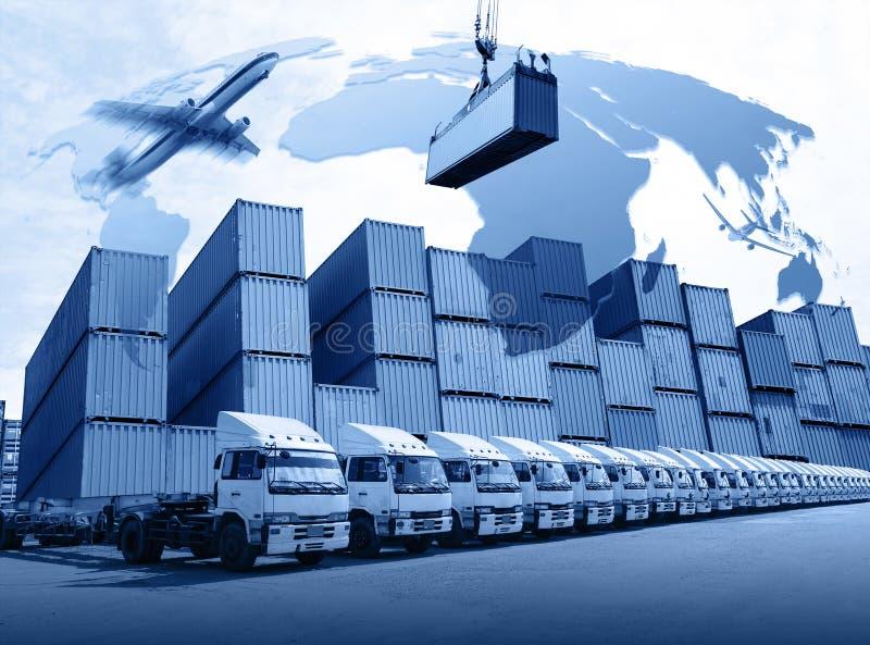 Διοικητική διανομή στο ναυπηγείο εμπορευματοκιβωτίων για την επιχείρηση μεταφορών στοκ φωτογραφία με δικαίωμα ελεύθερης χρήσης