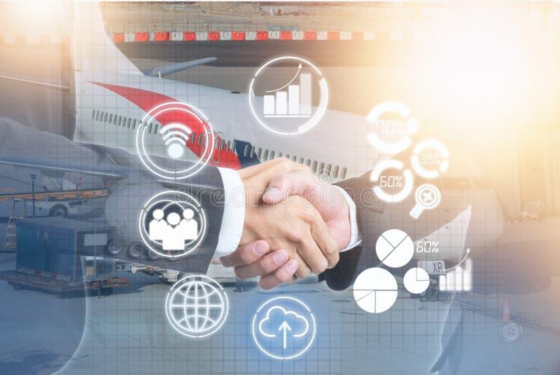 Διπλή έκθεση της χειραψίας επιχειρηματιών με το νέο εικονίδιο στοκ εικόνες