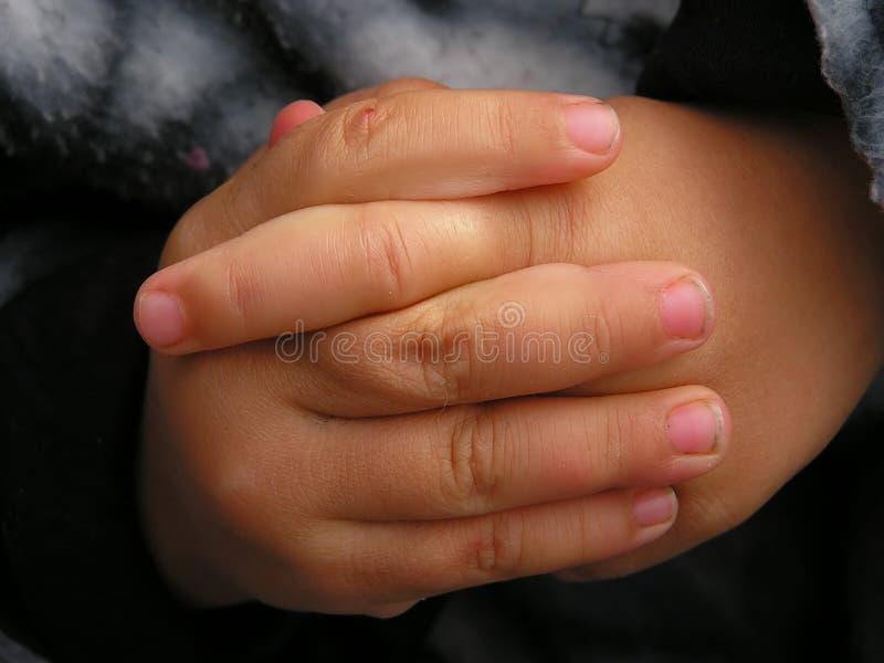 Download διπλωμένα χέρια στοκ εικόνα. εικόνα από babylonia, πυγμή - 399665
