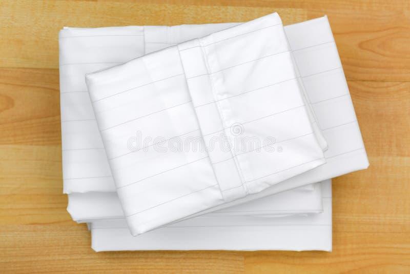 Διπλωμένη αντι κάλυψη μαξιλαριών ακαριών σκόνης σπιτιών Στενά υφαμένη περίπτωση μέσα στοκ φωτογραφία