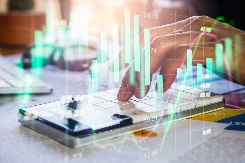 Διπλός επιχειρηματίας έκθεσης και χρηματιστήριο ή γραφική παράσταση Forex κατάλληλη για την οικονομική έννοια επένδυσης Υπόβαθρο  στοκ εικόνες με δικαίωμα ελεύθερης χρήσης