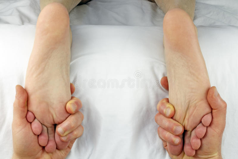 διπλό τρίψιμο ποδιών στοκ φωτογραφία με δικαίωμα ελεύθερης χρήσης