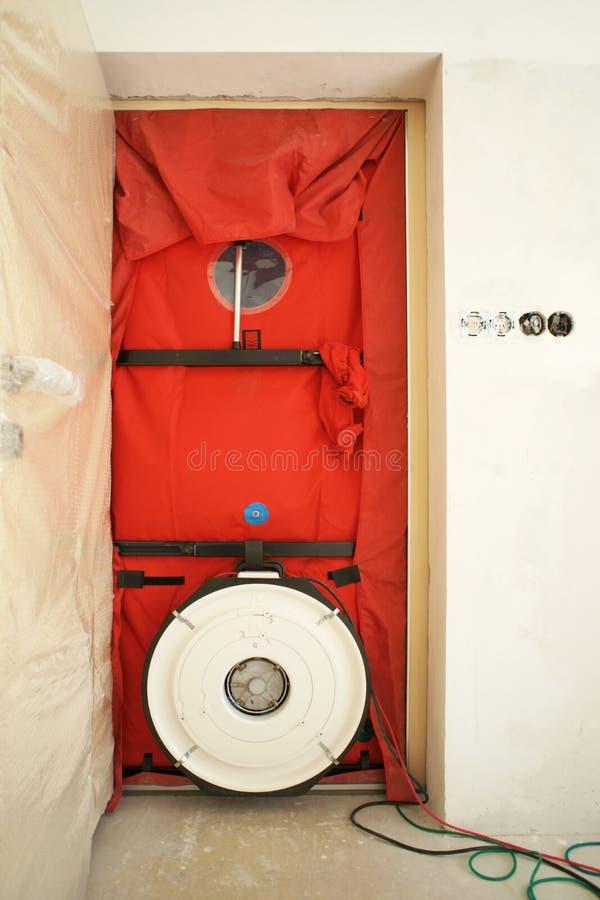 Δοκιμή πορτών ανεμιστήρων στοκ φωτογραφίες με δικαίωμα ελεύθερης χρήσης