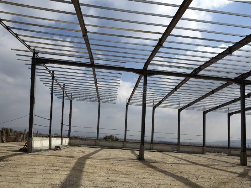 Δομές χάλυβα του βιομηχανικού κτηρίου στοκ φωτογραφία με δικαίωμα ελεύθερης χρήσης
