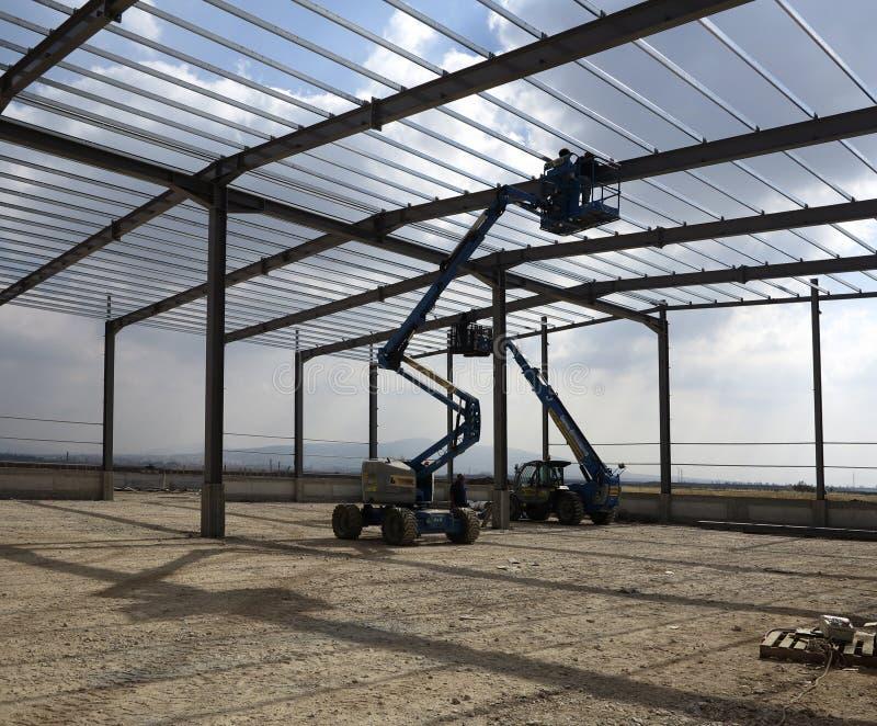 Δομές χάλυβα του βιομηχανικού κτηρίου στοκ εικόνα με δικαίωμα ελεύθερης χρήσης