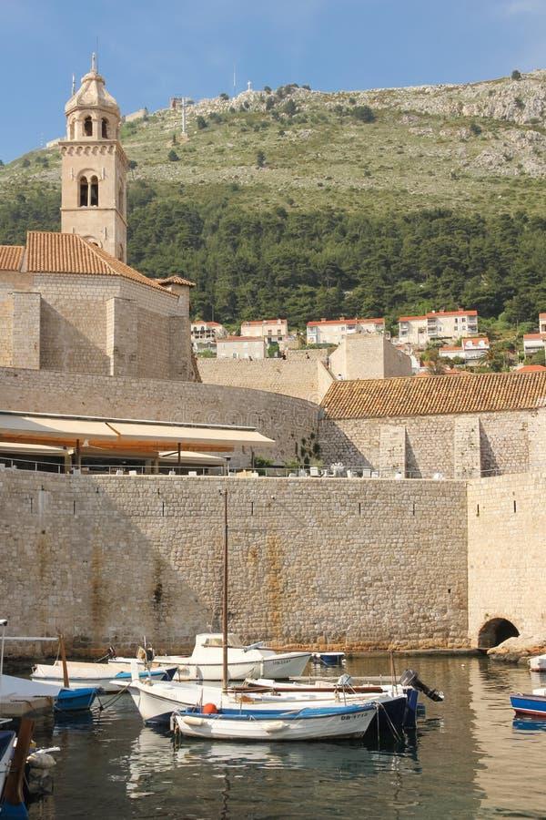 Δομινικανό μοναστήρι και παλαιός λιμένας dubrovnik Κροατία στοκ εικόνες