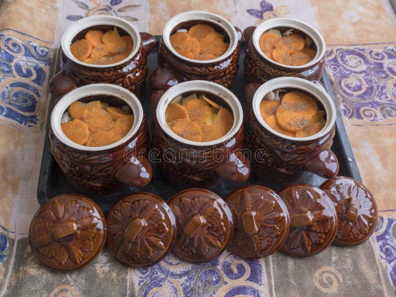 Δοχεία αργίλου για το μαγείρεμα στοκ εικόνες με δικαίωμα ελεύθερης χρήσης
