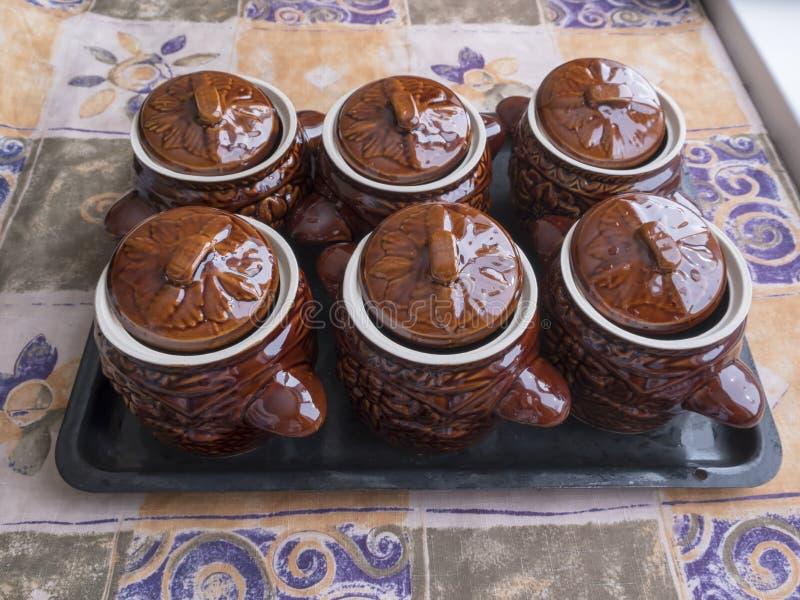 Δοχεία αργίλου για το μαγείρεμα στοκ φωτογραφία με δικαίωμα ελεύθερης χρήσης